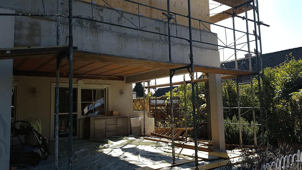 Errichtung des neuen Terrassendachs