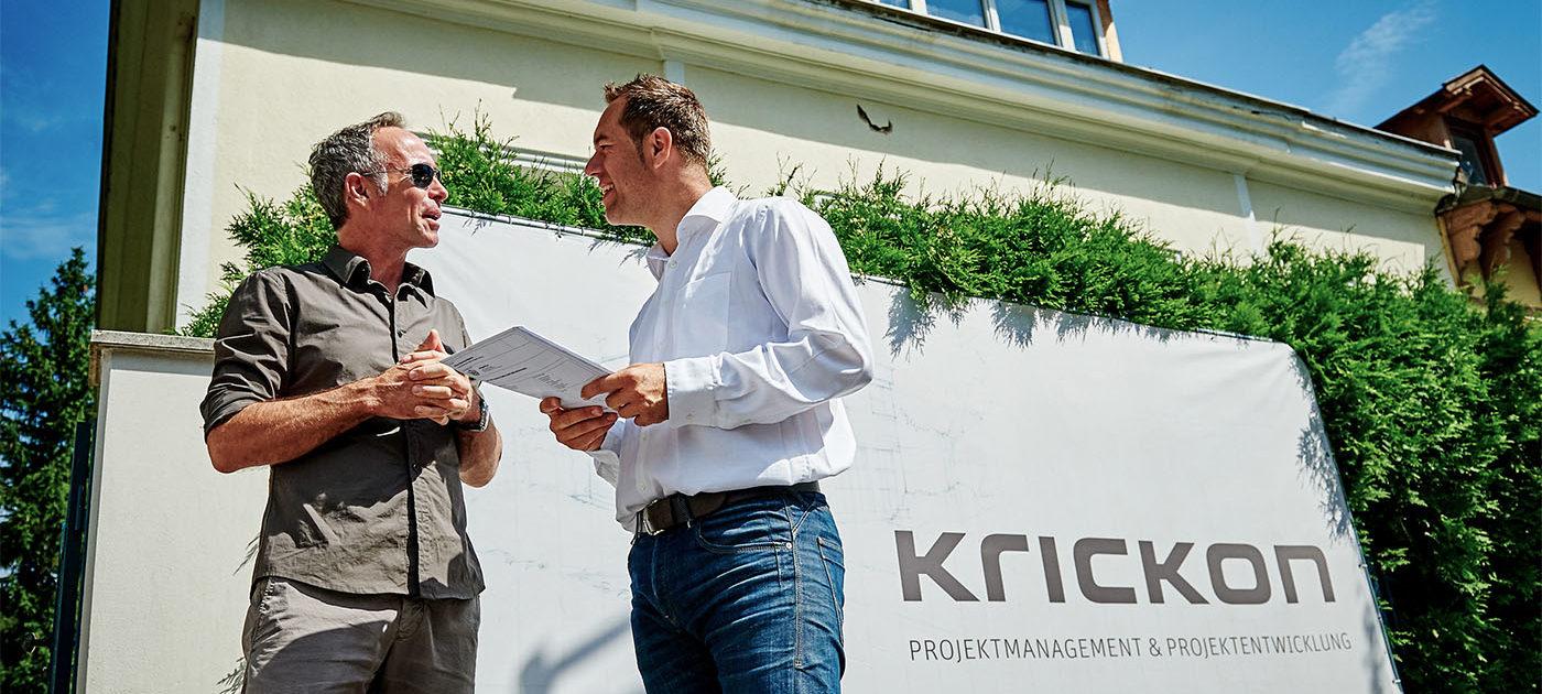 Besprechung mit unserem Kunden zu Beginn des Bauprojekts