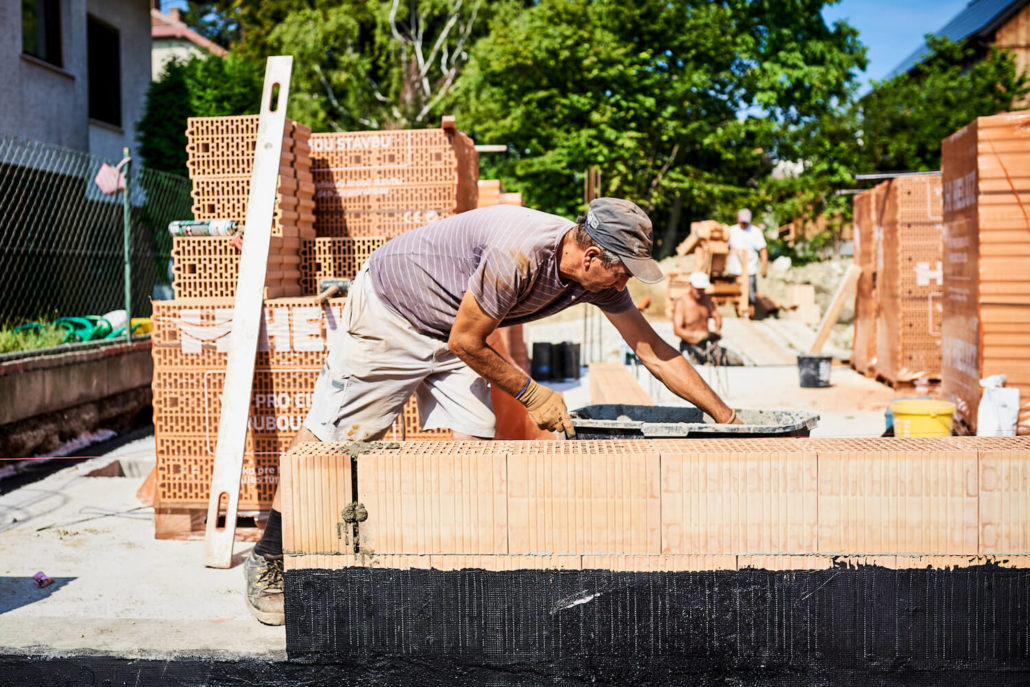 Unsere Mitarbeiter bei den Bauarbeiten für den Hausbau