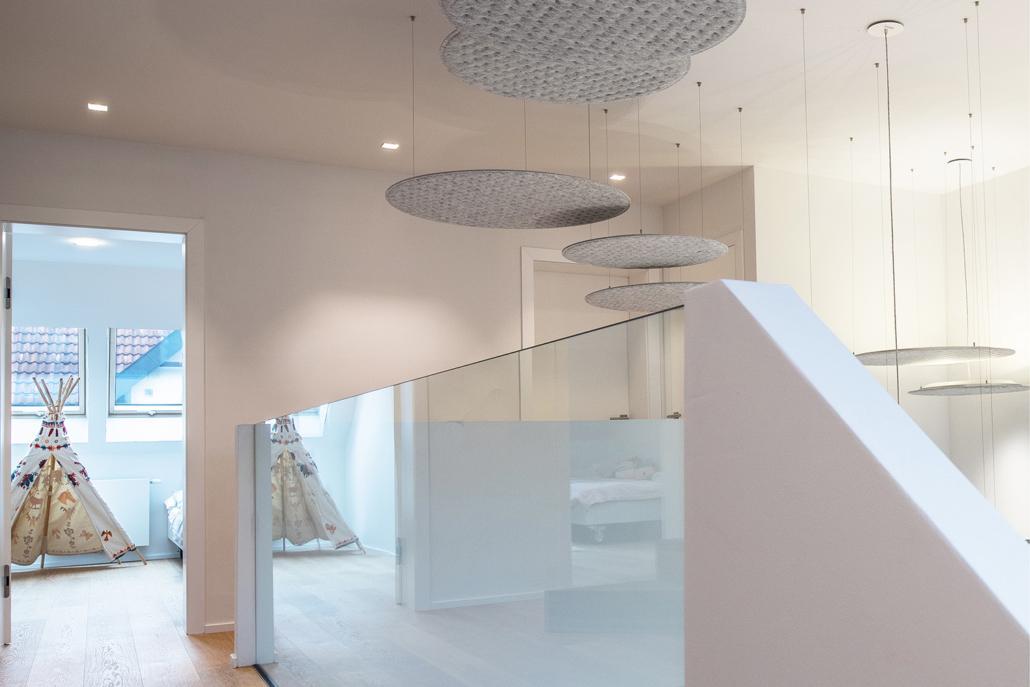 Moderne Designelemente und Lampen